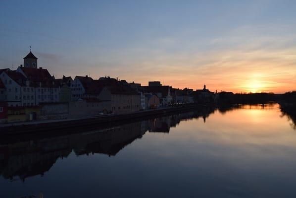 00_Donau-Sonnenuntergang-Sightseeing-Citytrip-Regensburg-Bayern-Deutschland