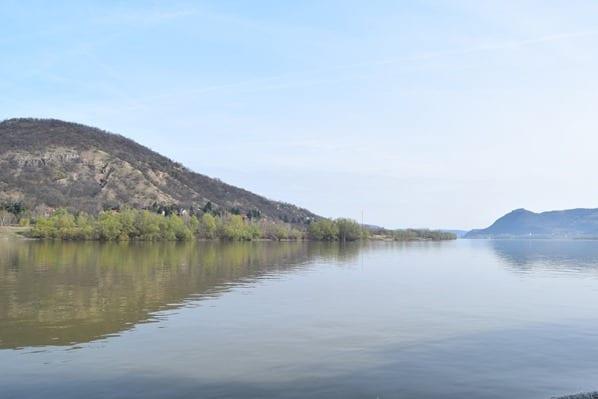02_Flusskreuzfahrt-a-rosa-Donau-Landschaft-Ungarn