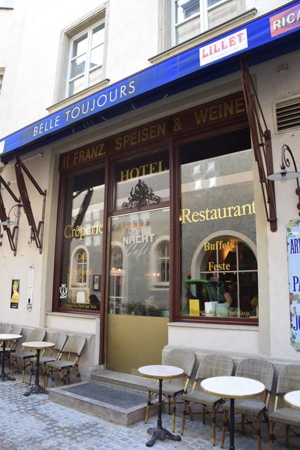 02_Restaurant-Creperie-Belle-Toujours-Regensburg-Citytrip