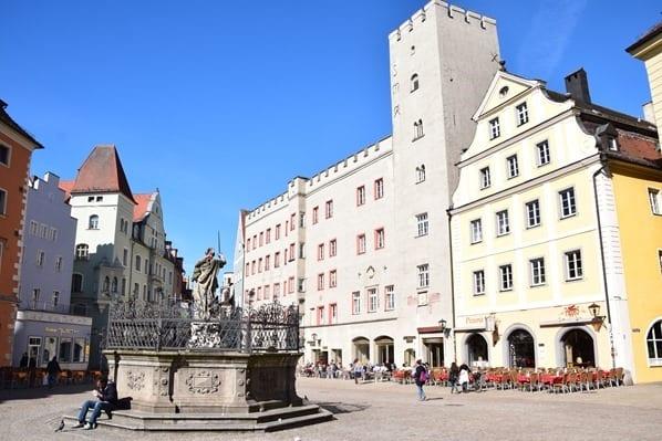 06_Haidplatz-Hotel-Goldenes-Kreuz-Regensburg-Bayern-Sightseeing