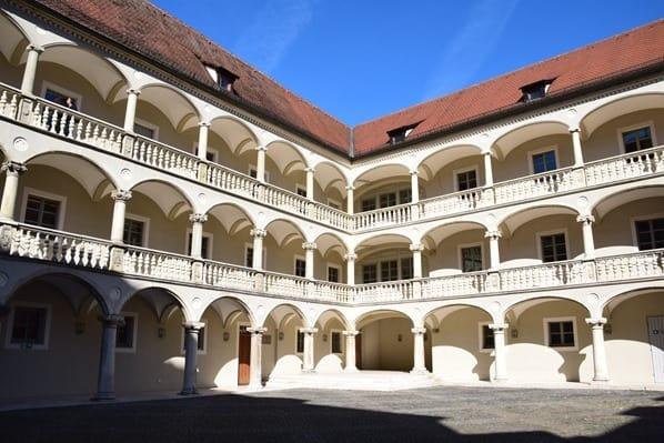 15_Innenhof-Freilufttheater-Regensburg-Citytrip-Sightseeing