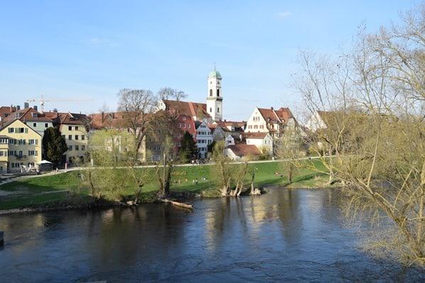 23_anderes-Donauufer-Steinerne-Brücke-Citytrip-Regensburg-Sightseeing