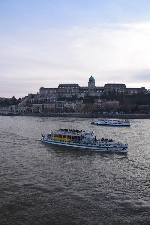 25_Flusskreuzfahrt-a-rosa-Donau-Burgpalast-Buda-Budapest-Ungarn