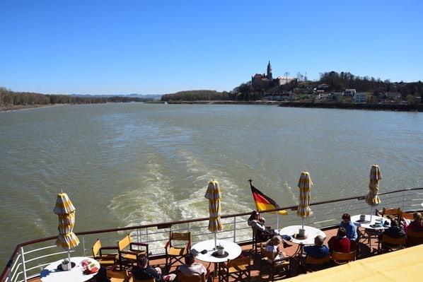 10_a-rosa-Flusskreuzfahrt-Donau-Kielwasser-Oesterreich