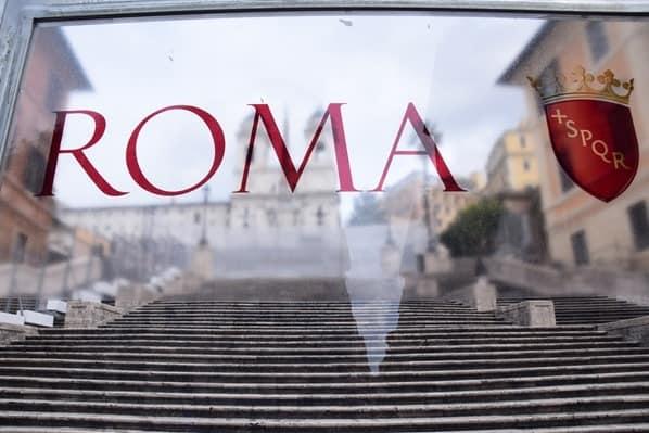 15_Baustelle-Spanische-Treppe-hinter-Glas-Rom-Italien