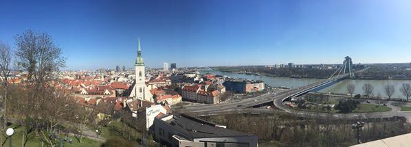 15_Panorama-von-der-Burg-Hrad-Donau-Bratislava-Slowakei