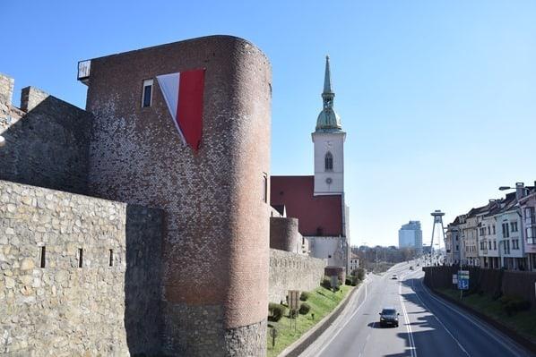 17_Martinsdom-Stadtmauer-Donaubruecke-Bratislava-Slowakei