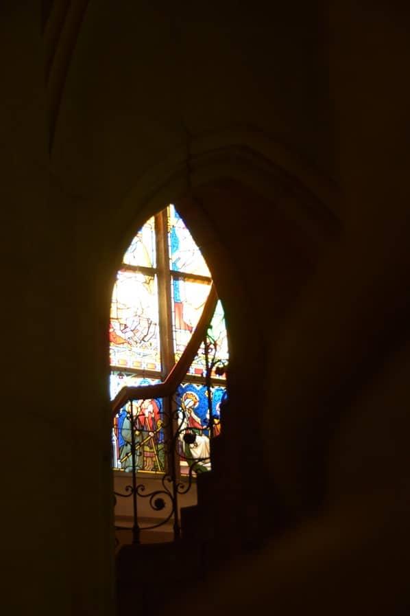 19_Kirchenfenster-Linzer-Mariendom-Linz-Oesterreich