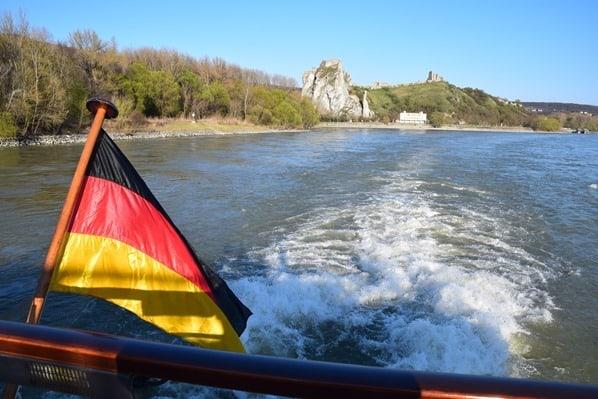 24_Ruine-Burg-Devin-Grenze-Oesterreich-Slowakei-a-rosa-Flusskreuzfahrt-Donau-schoene-Zeit