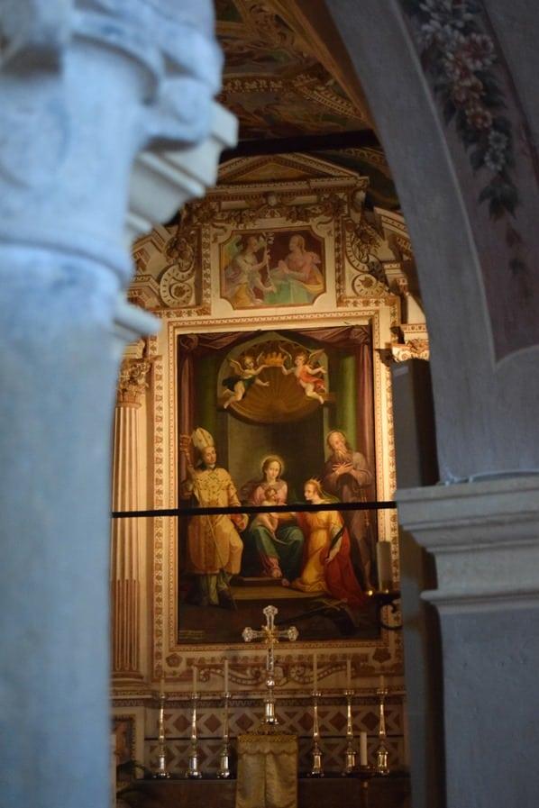05_Altar-Eremitenkloster-Santa-Caterina-del-Sasso-Lago-Maggiore-Italien