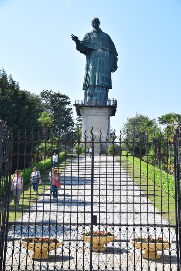 07_Statue-San-Carlo-Borromeo-Arona-Lago-Maggiore-Italien