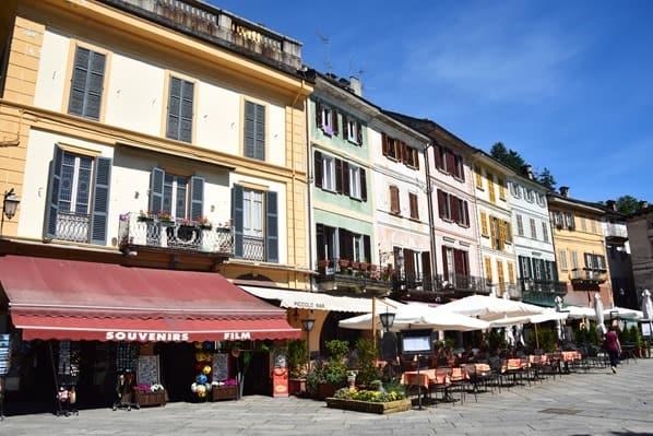 12_Altstadt-Piazza-Motta-Orta-San-Gulio-Lago-D'Orta-Italien