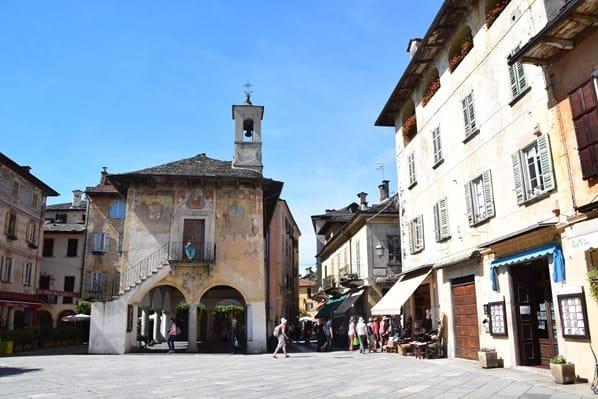 15_Altstadt-Piazza-Motta-Orta-San-Gulio-Lago-D'Orta-Italien