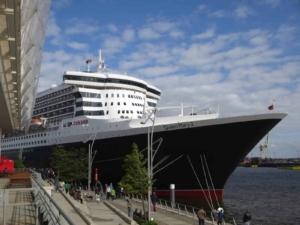 Deutscher-Kreuzfahrerclub-Cunard-Line-Queen-Mary-2-Hamburg