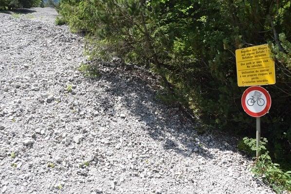 09_Wanderweg-Warnschild-Achensee-Tirol-Oesterreich