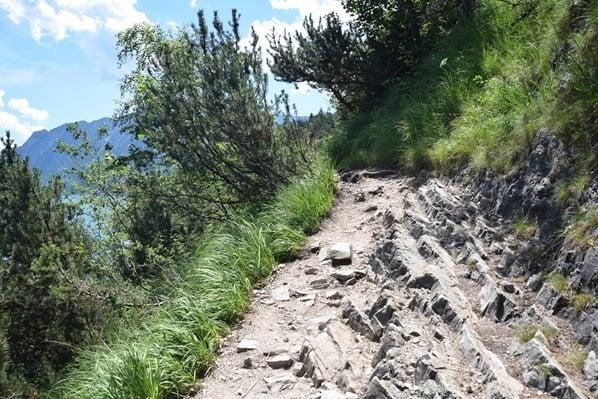 11_felsiger-Wanderweg-Achensee-Tirol-Oesterreich