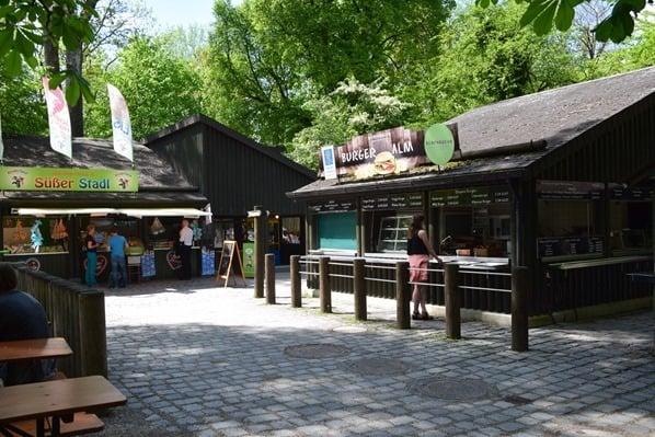 14_Restaurant-Burgeralm-Tierpark-Hellabrunn-Zoo-Muenchen