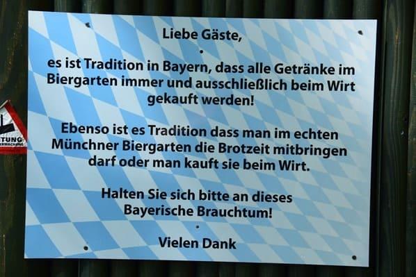 15_Bayerischer-Biergarten-Tierpark-Hellabrunn-Zoo-Muenchen
