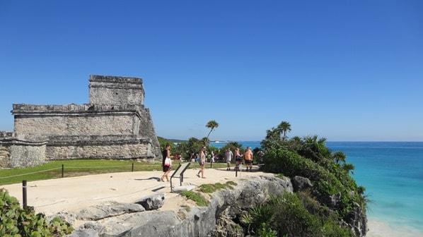 12_El-Castillo-Maya-Ruine-Tulum-Cancun-Yucatan-Mexiko-Karibik-Meer
