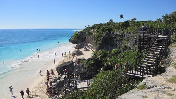 16_Strand-an-der-Maya-Ruine-Tulum-Yucatan-Mexiko-Karibik-Meer