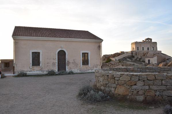 19_verlassener-Militaerstuetzpunkt-Abendstimmung-am-Capo-Testa-Sardinien-Italien