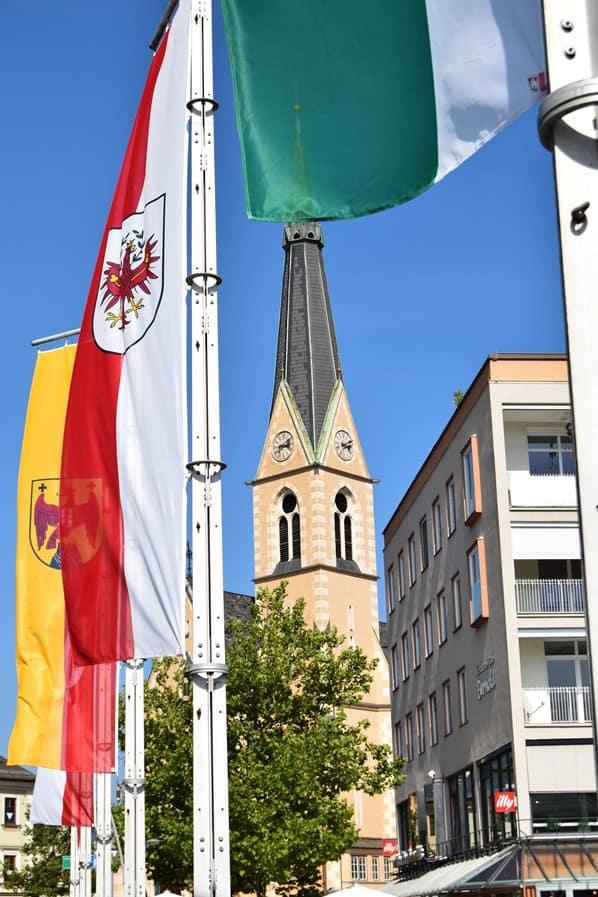 22_Rueckblick-Nikolaikirche-Falggen-Villach-Kaernten-Oesterreich
