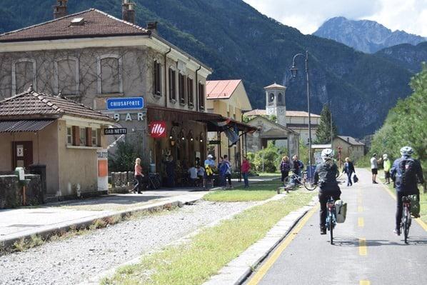 23_Bahnhof-Chiuasaforte-Ciclovia-Alpe-Adria-Radweg-Friaul-Julisch-Venetien-Italien