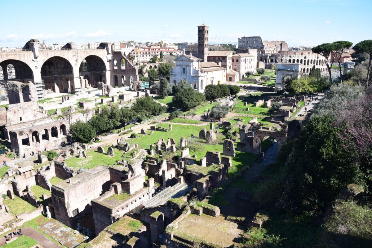 25_Forum-Romanum-Kolosseum-Colosseo-Citytrip-Rom-Italien