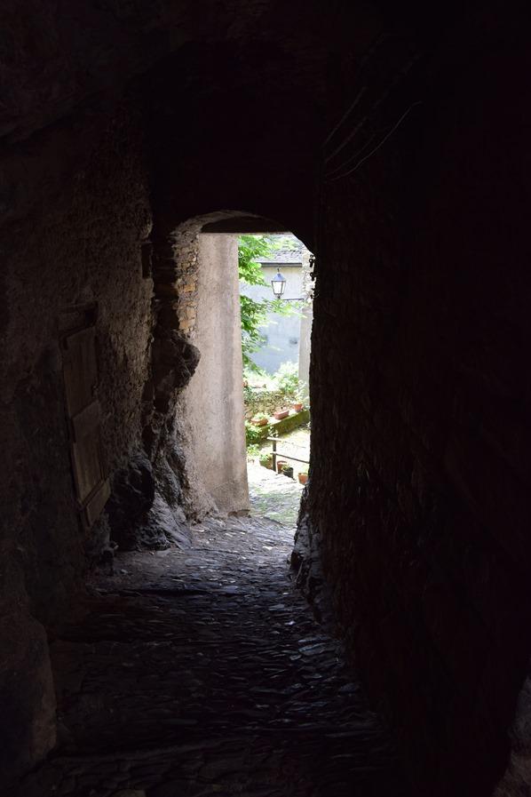 07_mittelalterliche-Gassen-Hexendorf-Triora-Ligurien-Italien