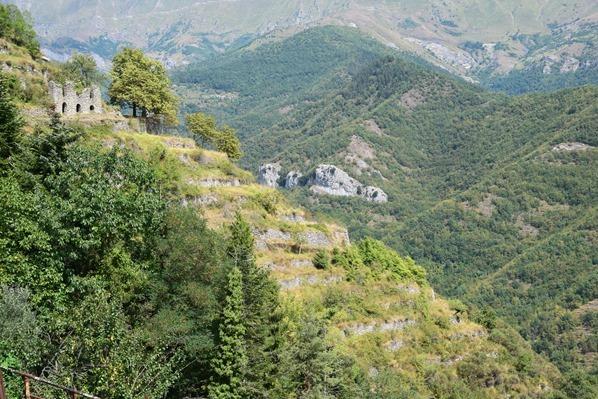12_Ruine-bei-Triora-Ligurien-Italien