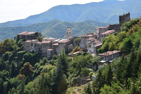 15_Hexendorf-Triora-Ligurien-Italien