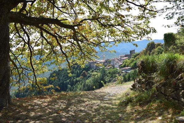 16_der-Weg-nach-Triora-Ligurien-Italien