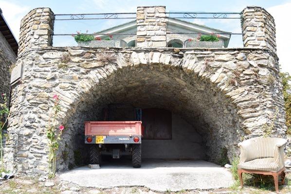 20_mittelalterliche-Garage-Hexendorf-Triora-Ligurien-Italien