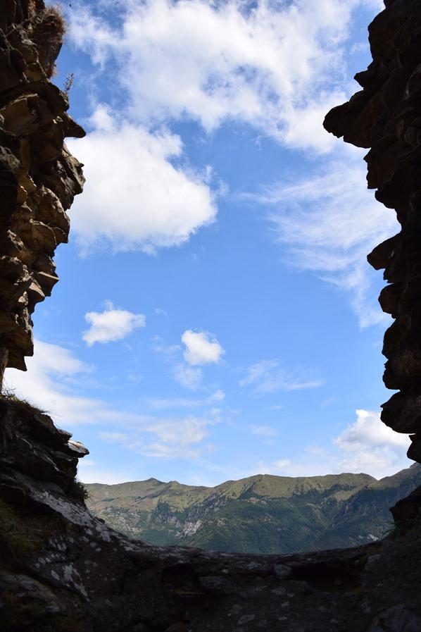 22_Aussicht-aus-mittelalterlicher-Ruine-Hexendorf-Triora-Ligurien-Italien