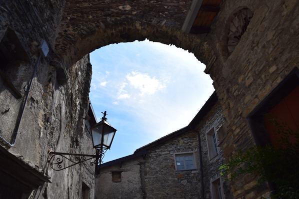 23_Torbogen-Hexendorf-Triora-Ligurien-Italien