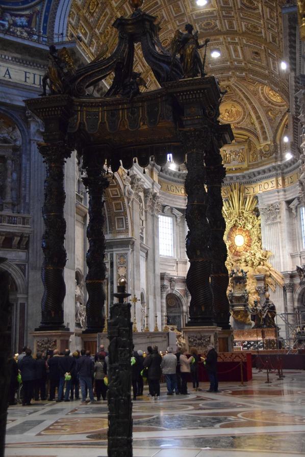 24_Altar-Petersdom-Vatikan-Citytrip-Rom-Italien