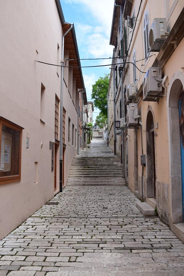 03_Gassen-Altstadt-Pula-Istrien-Kroatien