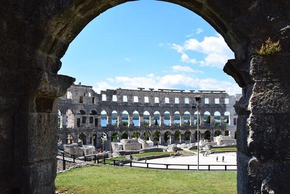 17_Innenraum-Amphitheater-Pula-Arena-Istrien-Kroatien
