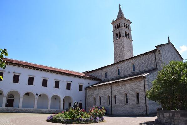 22_Kirche-Sveti-Antun-Pula-Istrien-Kroatien