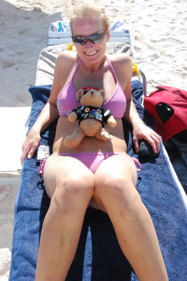 27_Jack-Bearow-Beachgirl-Nikki-Beach-St.-Barth-Karibik-Kreuzfahrt