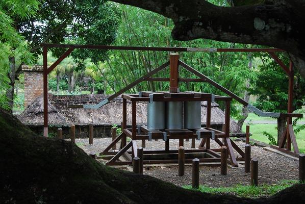 14_historische-Zucker-Muehle-Botanischer-Garten-Pamplemousses-Mauritius