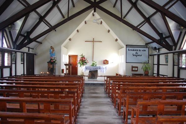 17_katholische-Kirche-Notre-Dame-Auxiliatrice-de-Cap-Malheureux-Mauritius