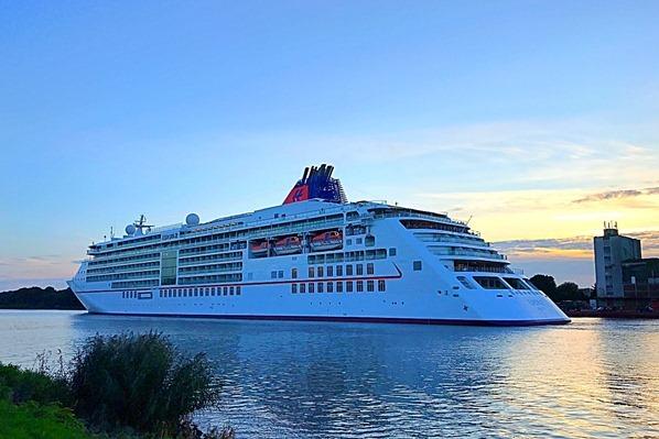Kreuzfahrtschiff-MS-Europa-Nord-Ostsee-Kanal-Nordsee