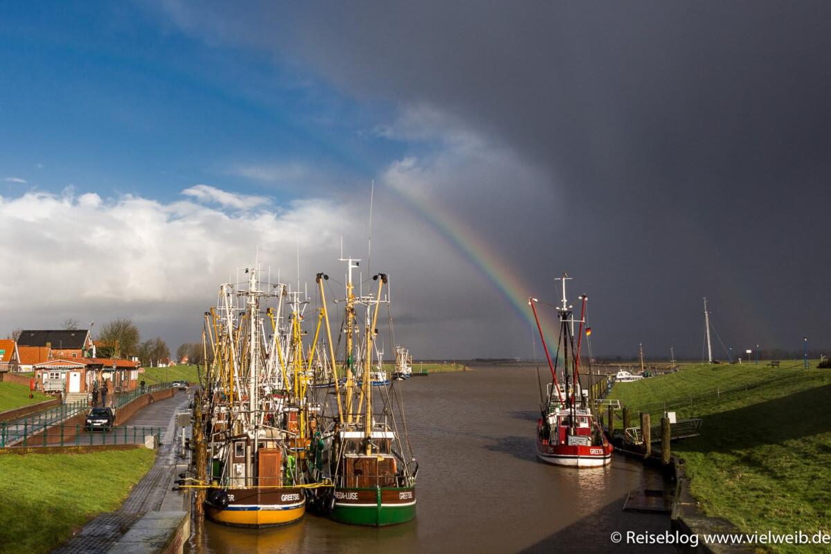 Regenbogen Hafen Greetsiel Ostfriesland Nordsee Deutschland