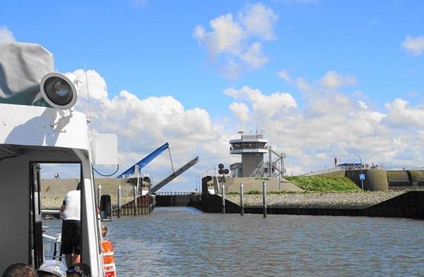 Schleuse-Eidersperrwerk-Dithmarschen-Nordsee