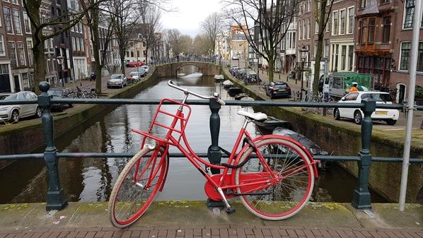 18_a-rosa-Flusskreuzfahrt-Rhein-Sightseeing-Grachten-Fahrrad-Fiets-Amsterdam-Holland-Niederlande