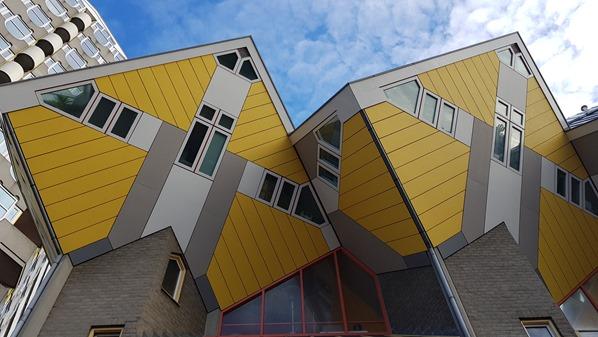 11_a-rosa-Flusskreuzfahrt-Rhein-Cube-Houses-Architektur-Rotterdam-Holland-Niederlande