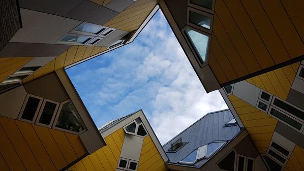 12_a-rosa-Flusskreuzfahrt-Rhein-Cube-Houses-Architektur-Rotterdam-Holland-Niederlande