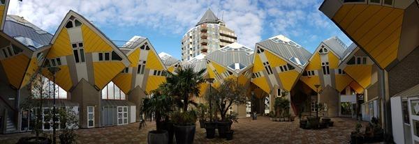 13_a-rosa-Flusskreuzfahrt-Rhein-Panorama-Kijk-Cubus-Cube-Houses-Architektur-Rotterdam-Holland-Niederlande