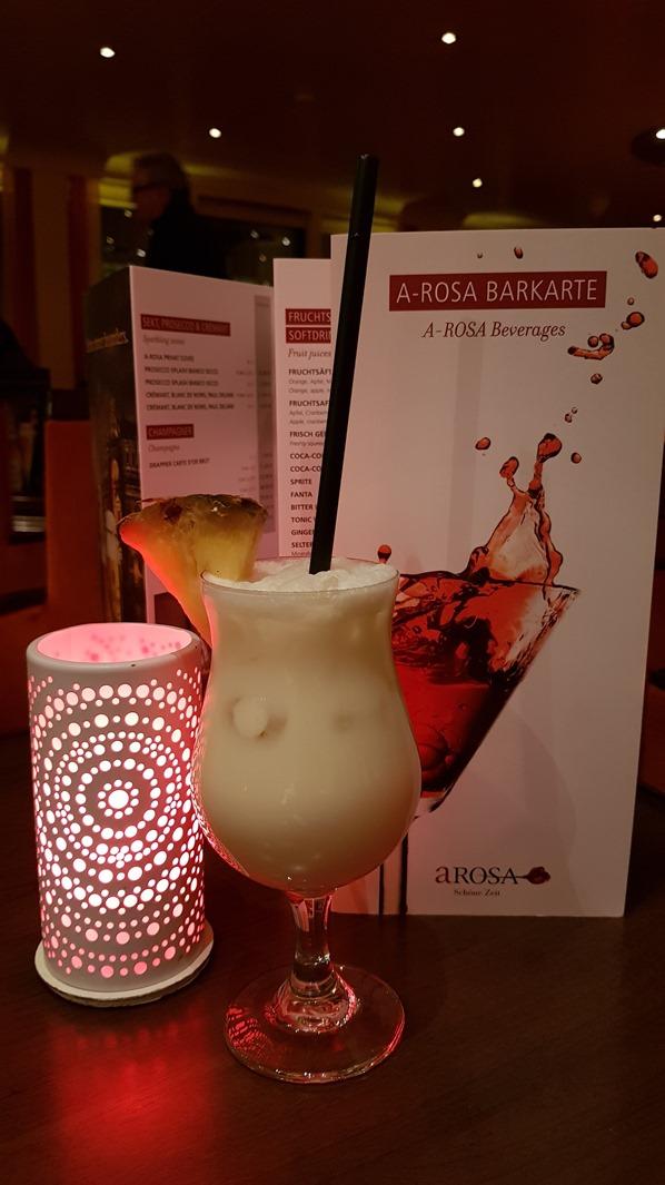 23_a-rosa-Flusskreuzfahrt-Rhein-Pina-Colada-Cocktail-Barkarte